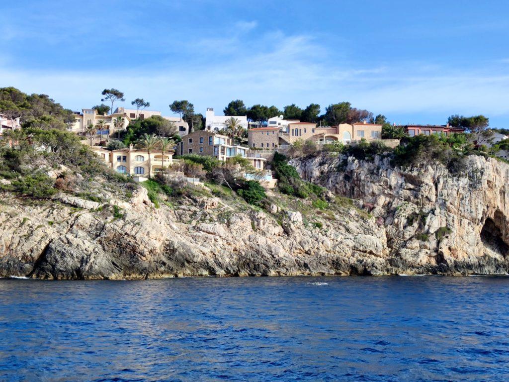 Дома на скалах Санта Понса Майорка