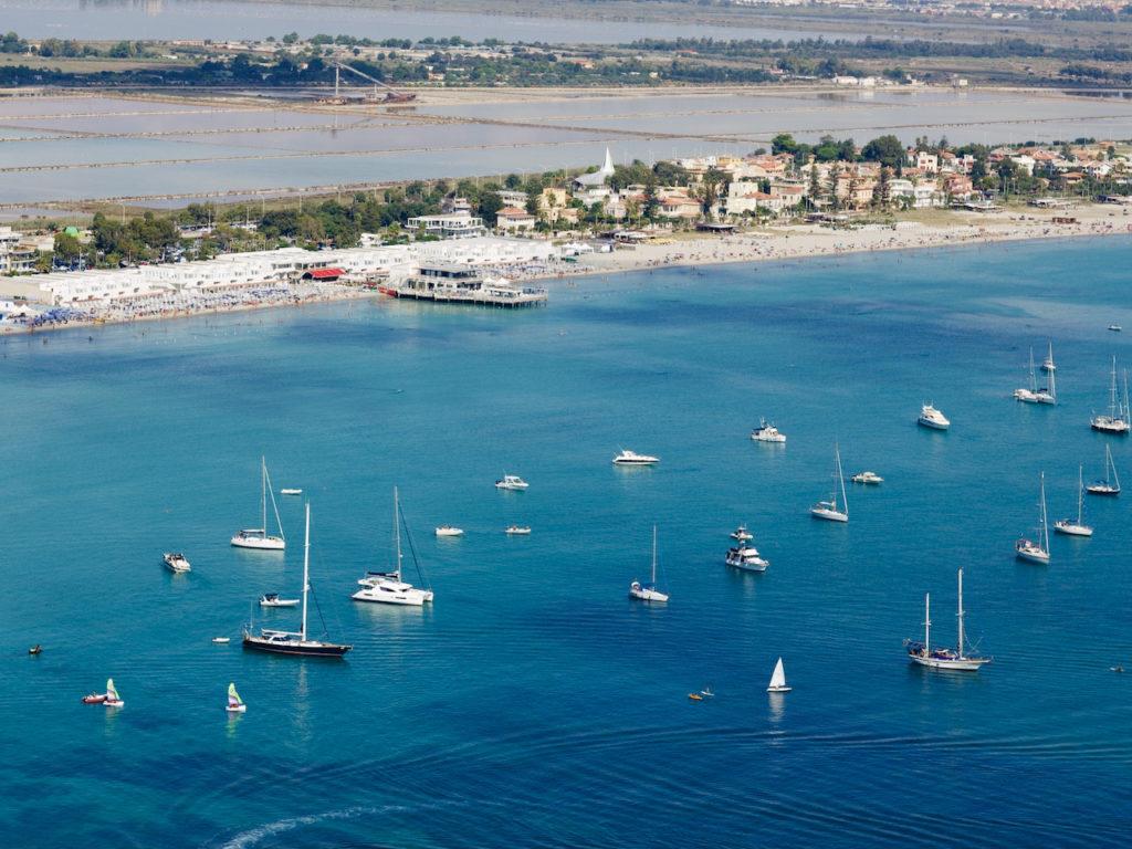Кальяри Сардиния пляж Поэтто