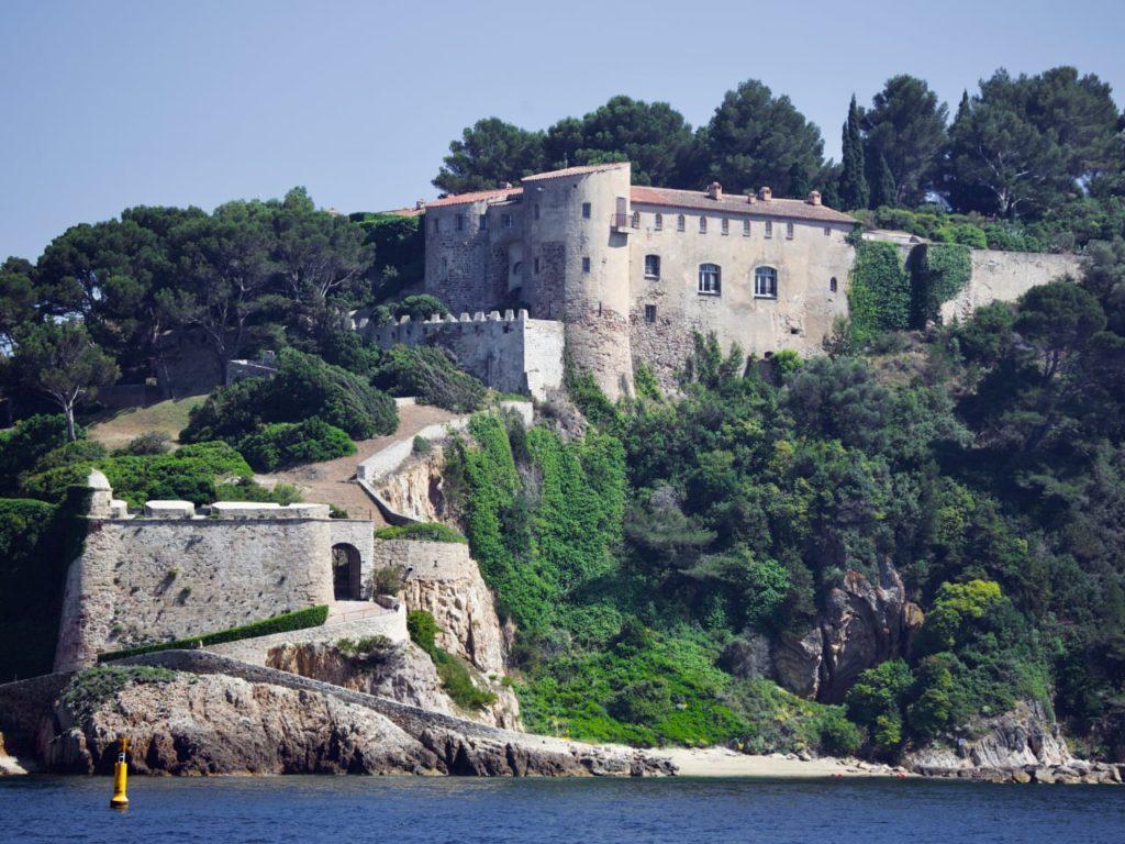 крепость форт брегансон